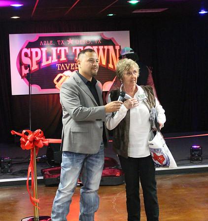 Split Town Tavern Ribbon Cutting 2017