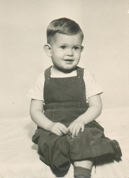 Max Ellis Sullivan (Son of Eileen).jpg