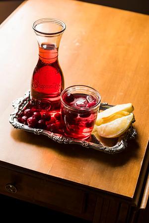 DAVID LIPNOWSKI / WINNIPEG FREE PRESS  Pucker up Sparkling Cranberry Lemonade  Photographed for Wendy King column Monday February 6, 2017.