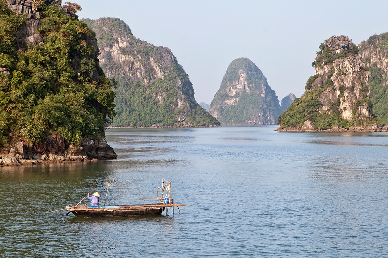 fishing-in-ha-long-bay-vietnam-asia.jpg