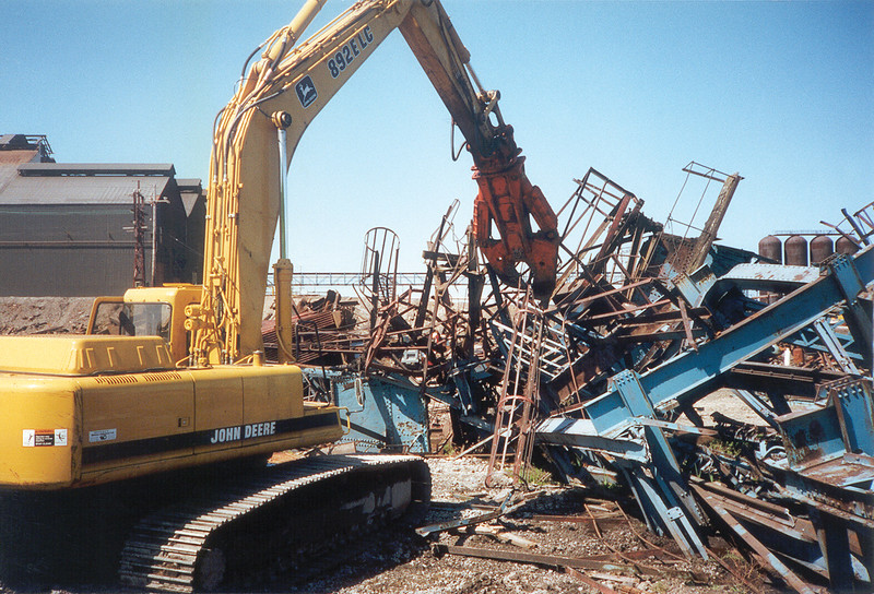 NPK M28K demolition shear on Deere excavator-scrap metal recycling.jpg