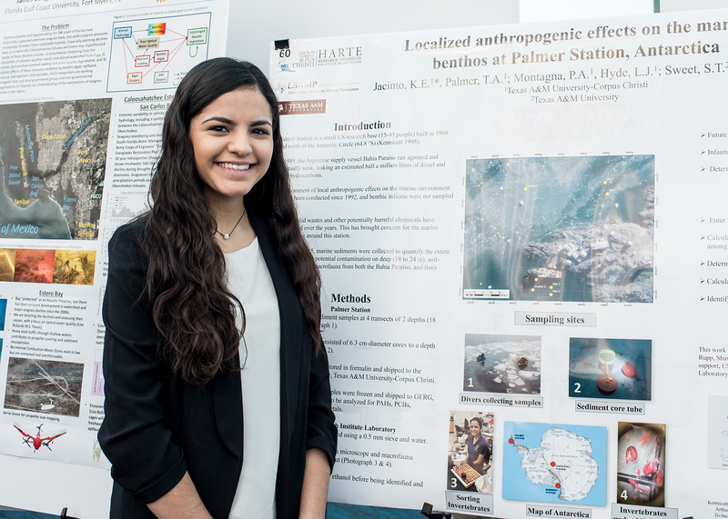 Kimberly Jacinto presents her research at the Benthic Ecology Meeting at the Texas State Aquarium.