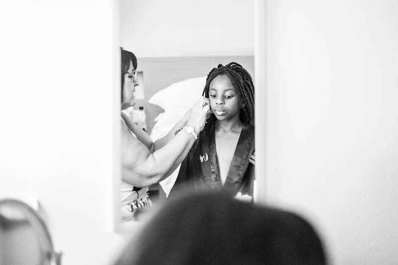 Elaine getting ready-29.jpg
