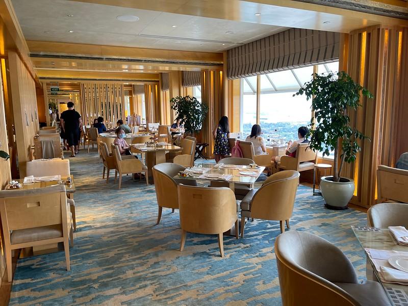 The Ritz-Carlton Club Lounge