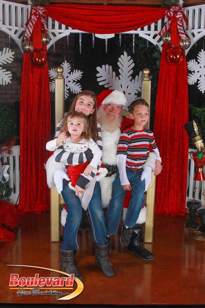 Santa 12-10-16-283.jpg