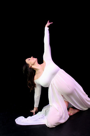 Vanessa - Beautiful Maternity Dancer