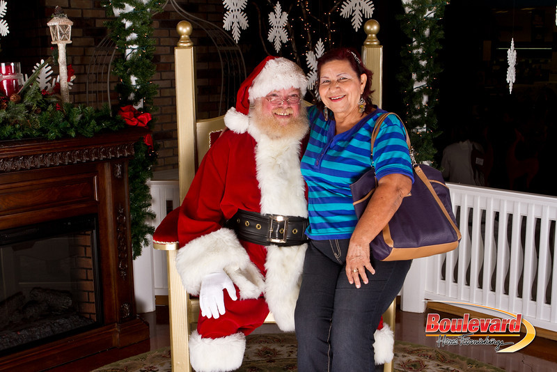 Santa Dec 15-171.jpg