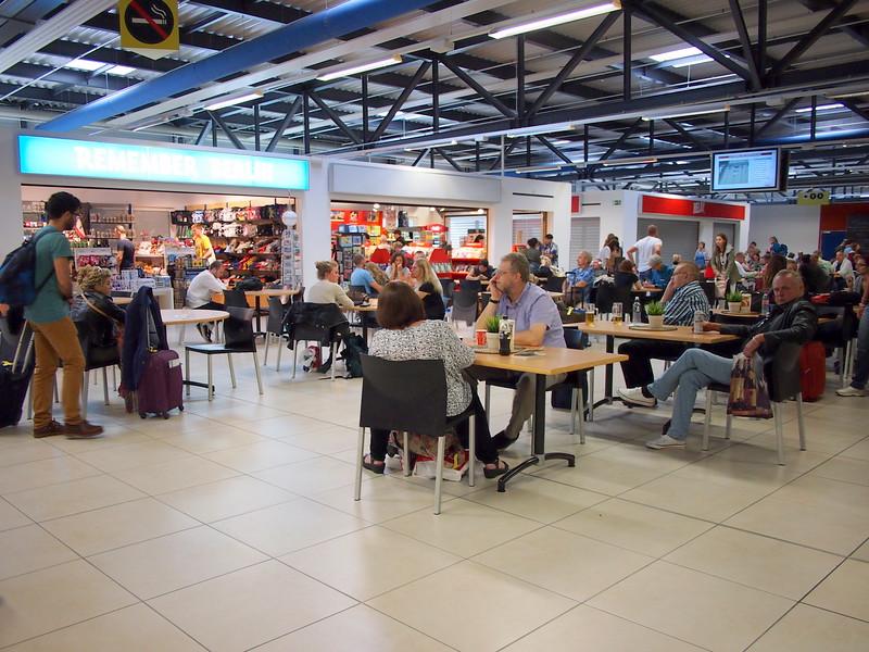 P8288125-airside-cafe.JPG