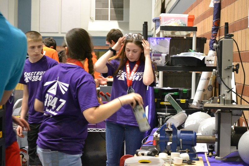 2016 FIRST Bayou Regional Robotics - Spectrum 3847 - 957