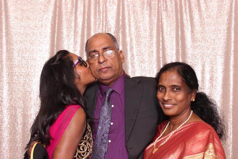 Boothie-PhotoboothRental-PriyaAbe-O-29.jpg