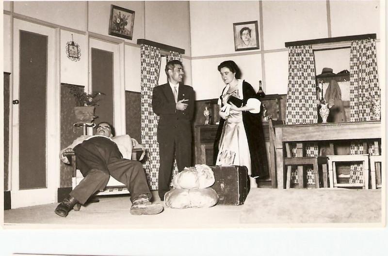 Cama, Mesa e Roupa Lavada, 1958 Xico Paulos, Oliveirinha, e Lurdes Ramos