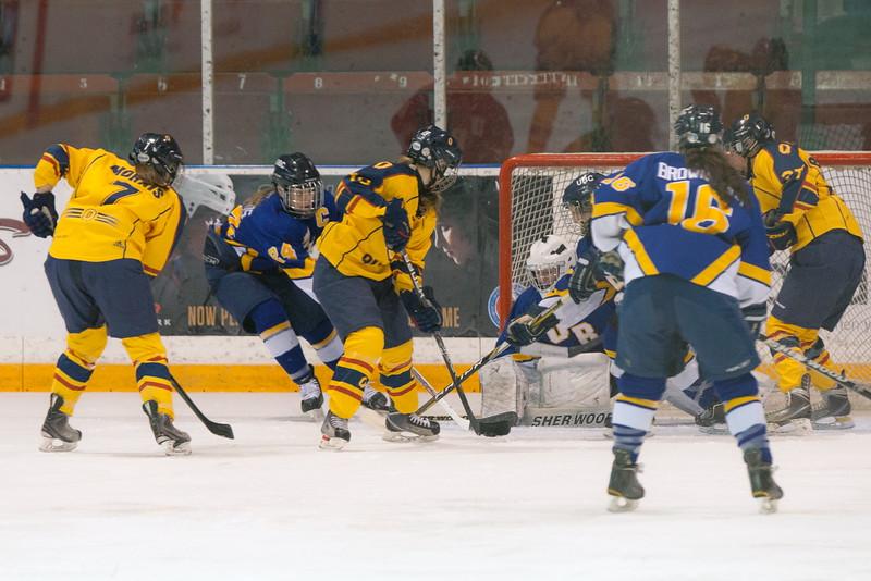 20130310 QWHockeyvsUBC 188.jpg