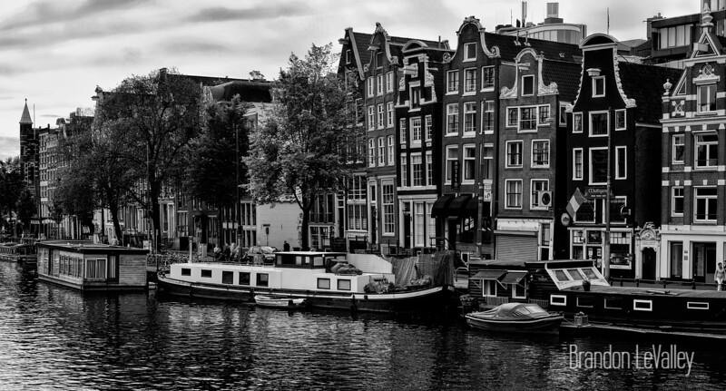 AMSTERDAM CANAL SCENE VIII.jpg
