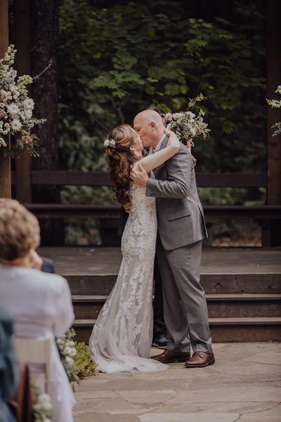 2018-05-12_ROEDER_JulieSeth_Wedding_ROEDER2_0049.jpg