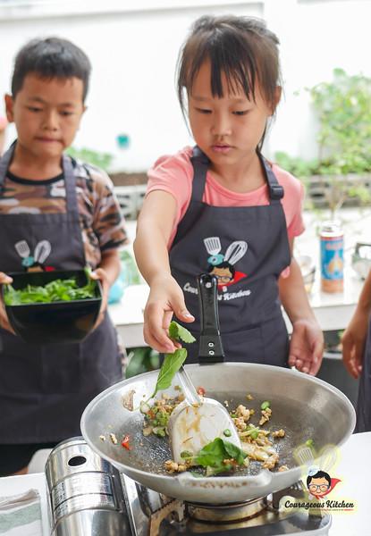 kids cooking class bangkok-10.jpg