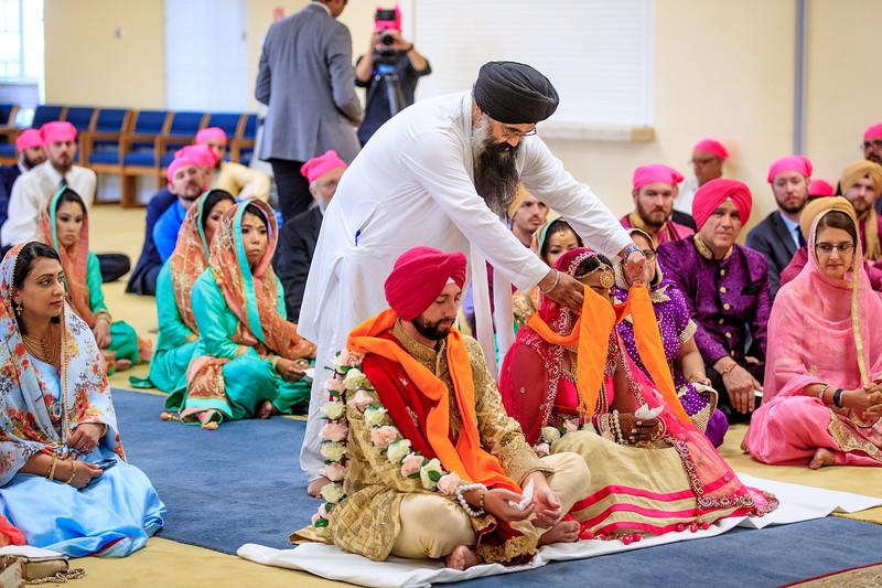 Neelam_and_Matt_Gurdwara_Wedding-1463.jpg