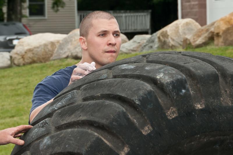 Fitness Revolution Strongman Challenge 2011_ERF4332.jpg