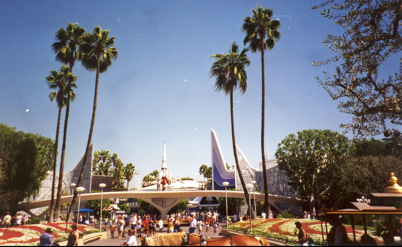 Tomorrowland96_crfxum.jpg