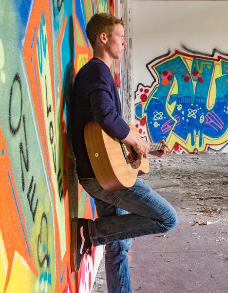 Andrew-Guitar-Rubber-bowl-inside-graffiti4.jpg