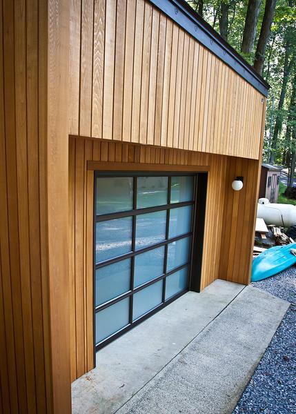 Garage with new Door-0816-4830.jpg