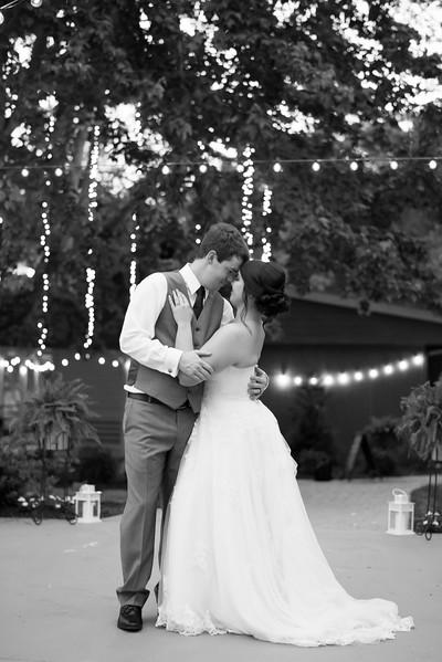 wedding-couple-photos.jpg