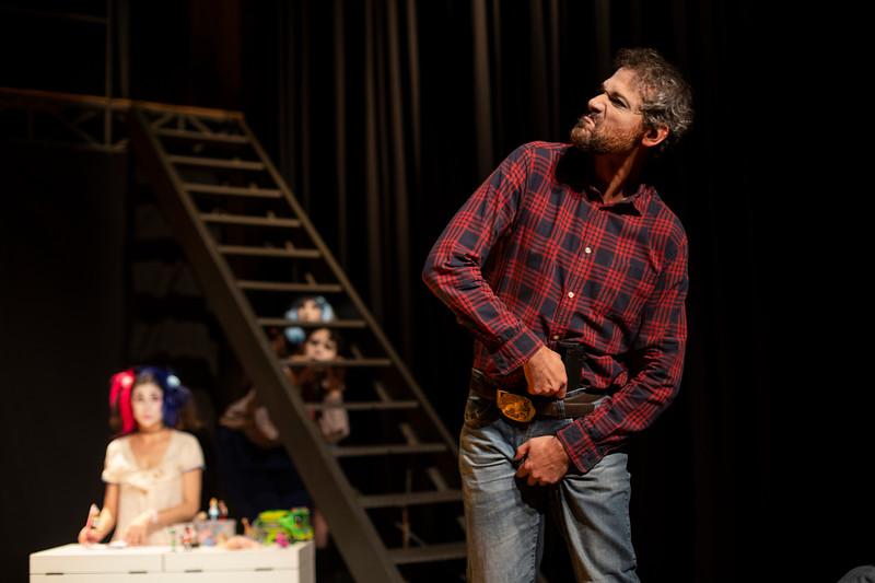 Allan Bravos - essenCIA Teatro - Persona 07-155.jpg