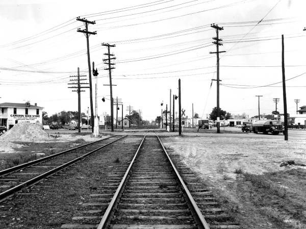 sp01968-Post McDuff Railroad Crossing-1951-Spottswood Collection.jpg