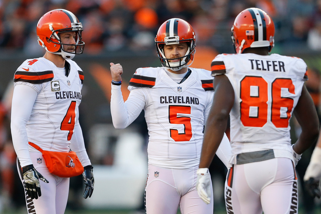 . Cleveland Browns kicker Zane Gonzalez (5) celebrates after kicking a field goal in the second half of an NFL football game against the Cincinnati Bengals, Sunday, Nov. 26, 2017, in Cincinnati. (AP Photo/Gary Landers)