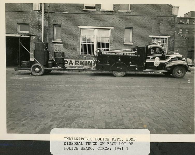 ca 1941 Emergency Car 5 with Bomb Disposal unit