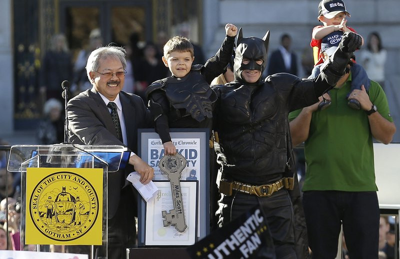 ". <p>10. (tie) BATKID <p>Got his wish for a really, really, really light news day Friday. (previous ranking: unranked) <p><b><a href=\'http://www.twincities.com/life/ci_24530079/san-francisco-call-batkid-fight-crime\' target=""_blank\""> HUH?</a></b> <p>   (AP Photo/Jeff Chiu)"