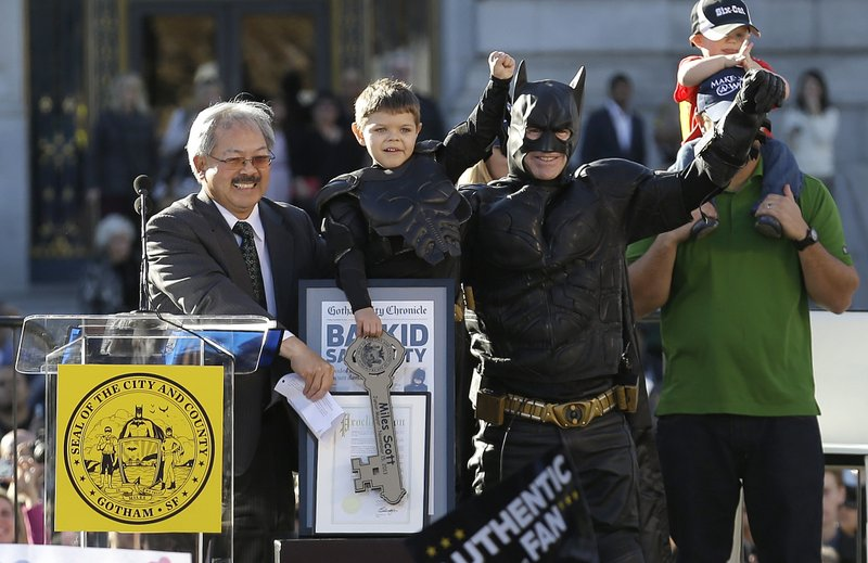 """. <p>10. (tie) BATKID <p>Got his wish for a really, really, really light news day Friday. (previous ranking: unranked) <p><b><a href=\'http://www.twincities.com/life/ci_24530079/san-francisco-call-batkid-fight-crime\' target=\""""_blank\""""> HUH?</a></b> <p>   (AP Photo/Jeff Chiu)"""