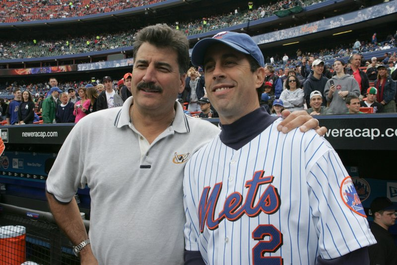 """. <p><b> Fans of �Seinfeld� saw something they thought they would never see Tuesday when the comedian was able to � </b> <p> A. Help broadcast a New York Mets game  <p> B. Appear in a Broadway musical   <p> C. Get Michael Richards a job  <p><b><a href=\'http://www.nydailynews.com/entertainment/tv-movies/jerry-seinfeld-returns-broadcasting-booth-mets-game-article-1.1455359\' target=\""""_blank\"""">HUH?</a></b> <p>    (Jim McIsaac/Getty Images)"""