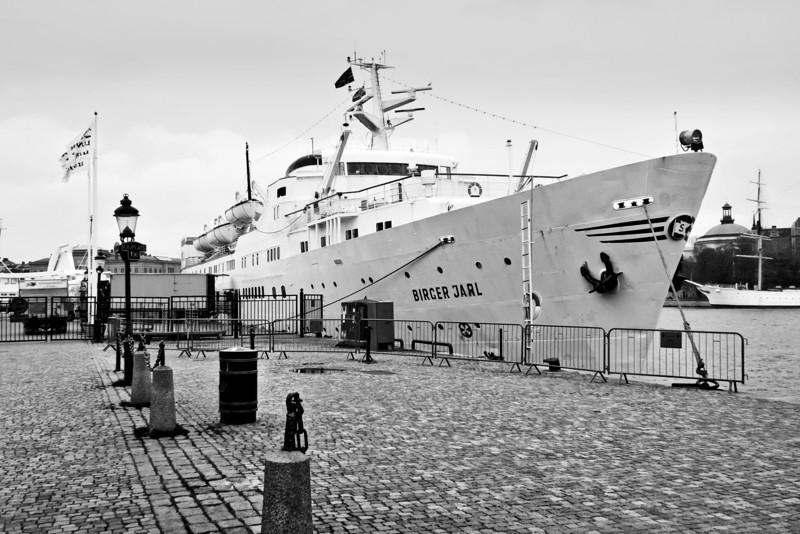 Ship at Dock / Корабль на пристани