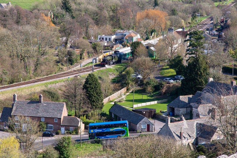 Bus and train in Corfe Castle
