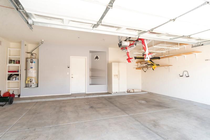 Garage 1.jpg