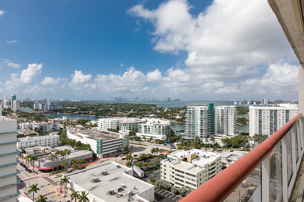 6767 Collins Ave