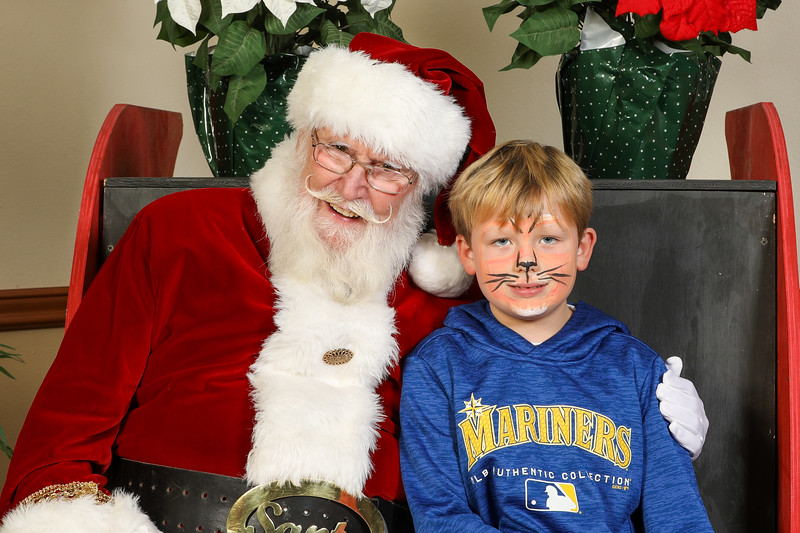 TBTP 2019 Photos with Santa-78.JPG