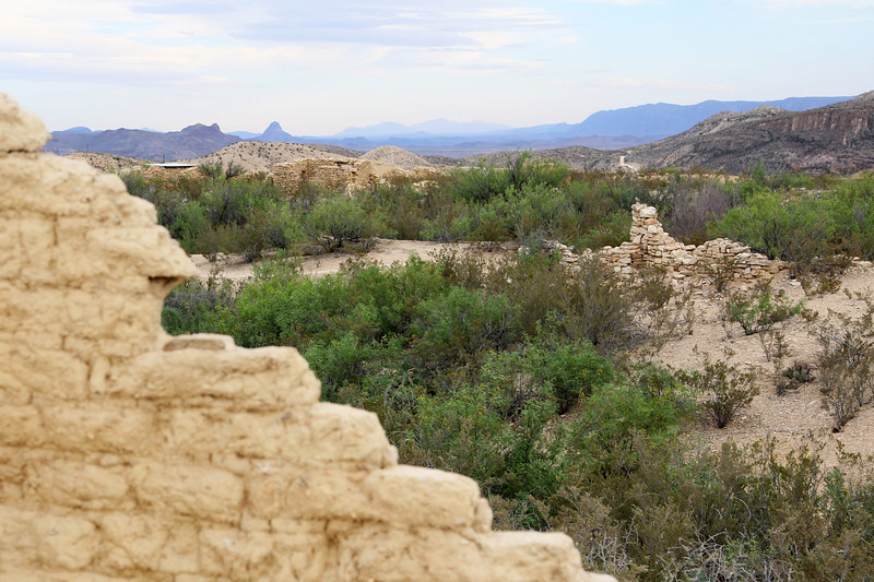 Another view of Terlingua's ruins ...