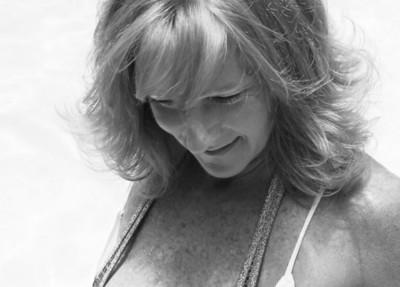 Marry Catherine - June '09: Poolside & Backyard
