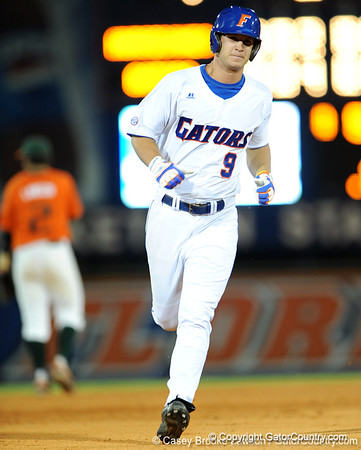 Photo Gallery: UF baseball vs. Miami, NCAA Regionals, 5/30/09