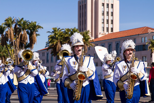 HOLIDAY BOWL PARADE1-0266.jpg