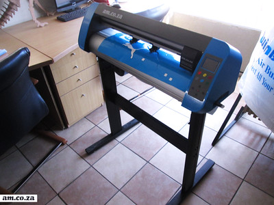 The V-Smart Vinyl Cutter 2016 - Stand Assembling and Setting Up