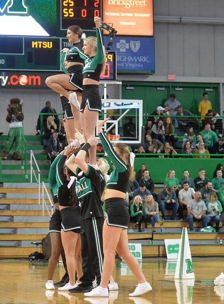 cheerleaders4241.jpg