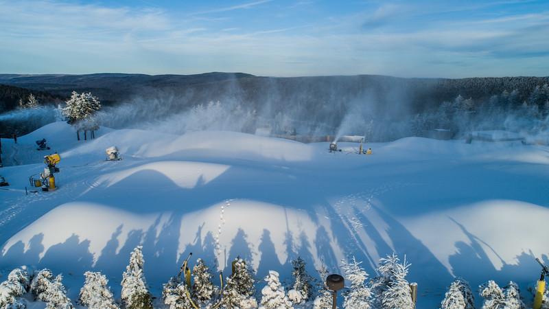 Snowmaking 1920-0020.jpg