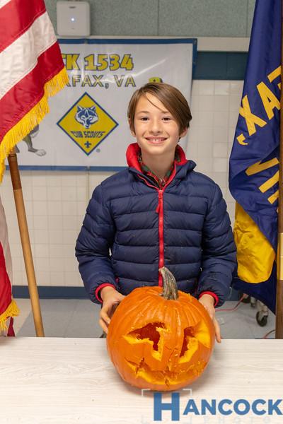 Cub Scout Pumpkin Carving 2018-108.jpg
