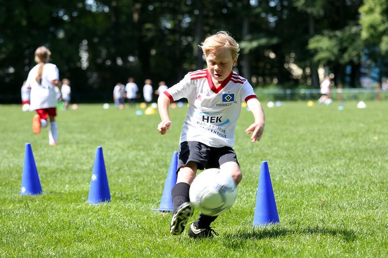 hsv_fussballschule-492_48048038407_o.jpg