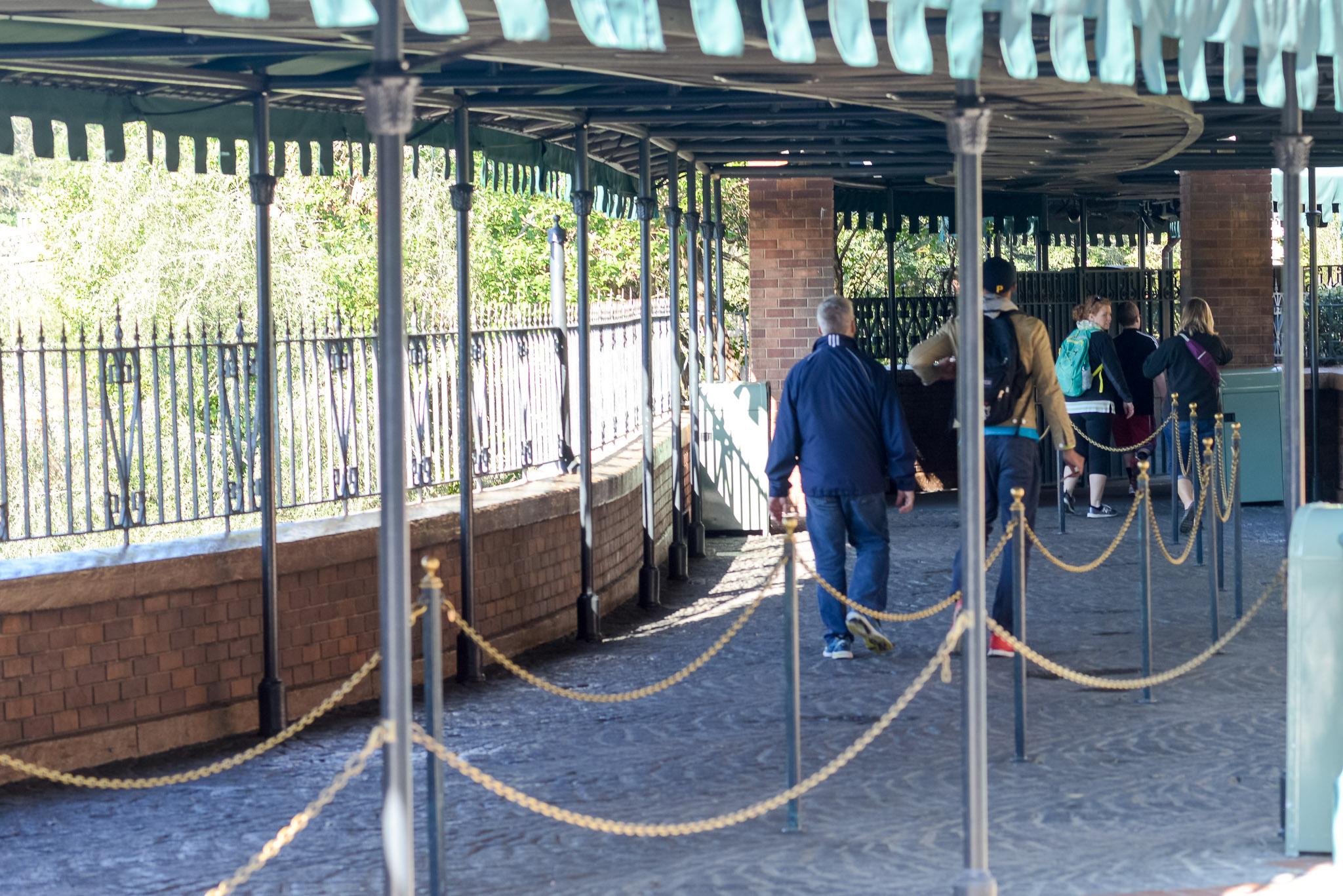 Haunted Mansion Queue Again - Walt Disney World Magic Kingdom