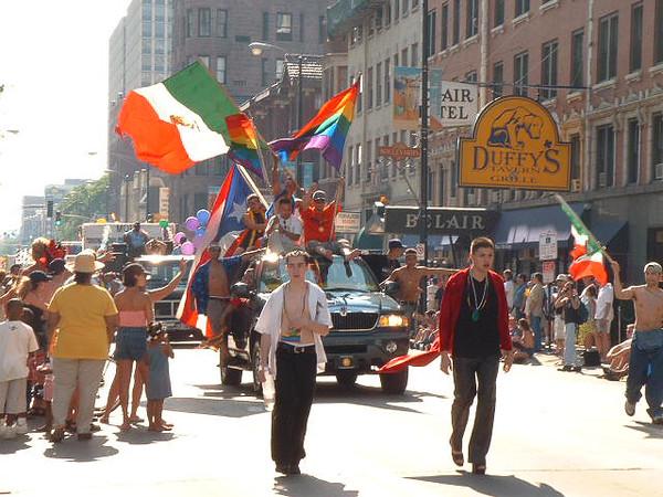 Pride Parade 2001-27.jpg