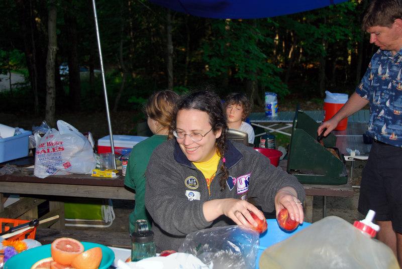 Kukolich family making breakfast   (Jul 03, 2006, 07:31am)