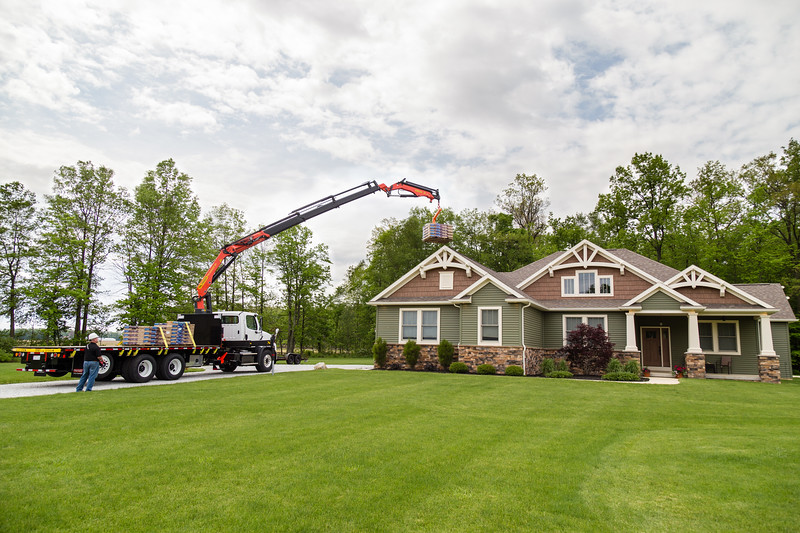 Palfleet Roofing Crane 14.jpg